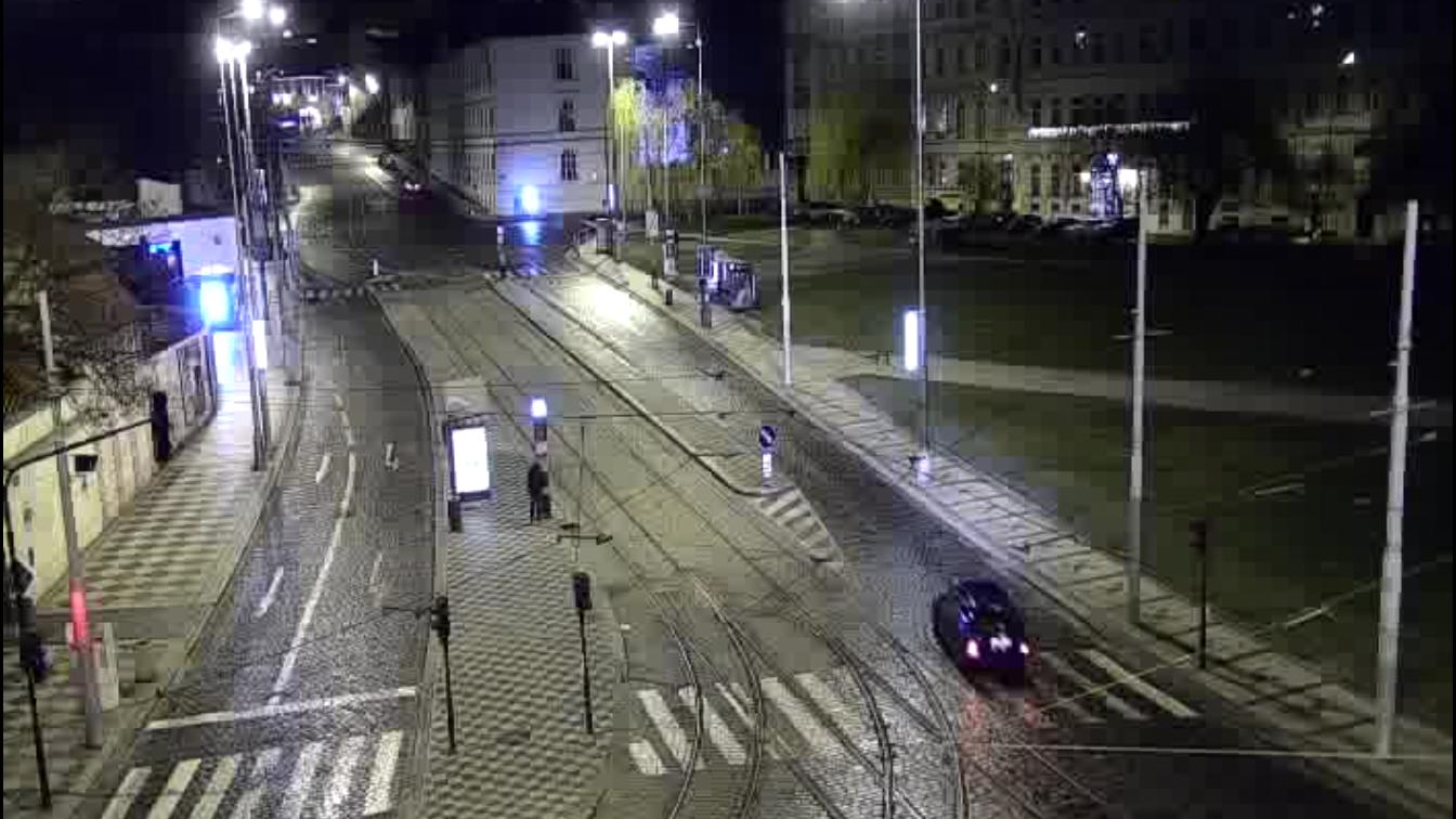 VIDEO: Přepadení Švandova divadla. Vrátného spoutali v hledišti